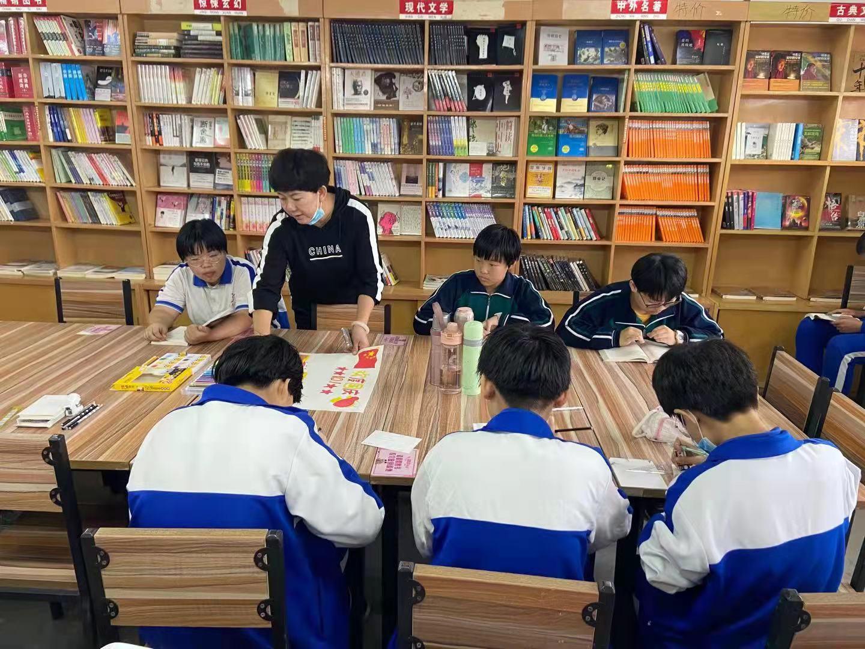 校园书店·活动回顾 用声音传递力量 用画笔描绘祝福